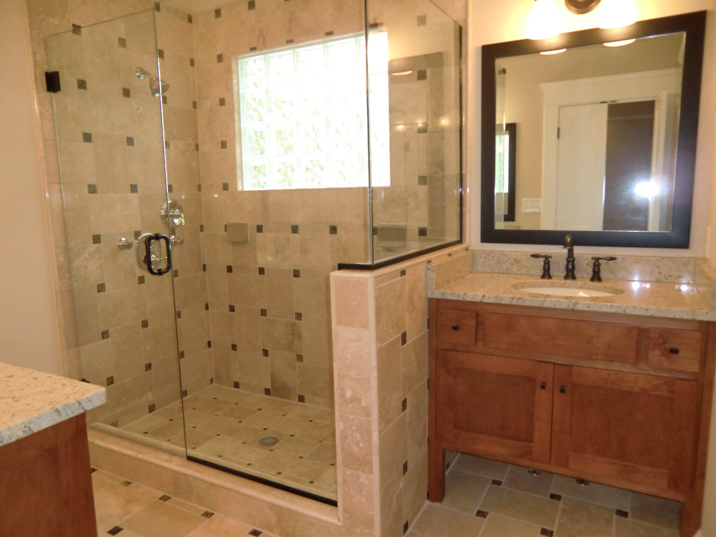 Master Bath Features His N Hers Vanities Amp Travertine Tile